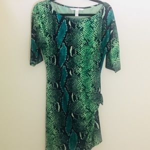 DVF Shift Dress 👗 Rouched on one side Sz4.
